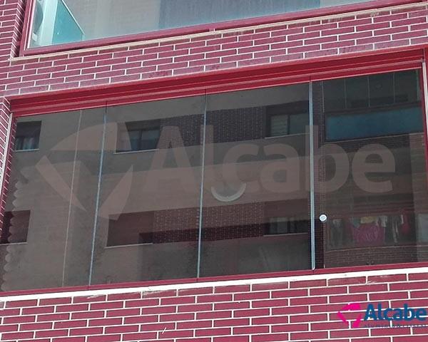 Cerramiento de terraza de Dos Hermanas, Sevilla