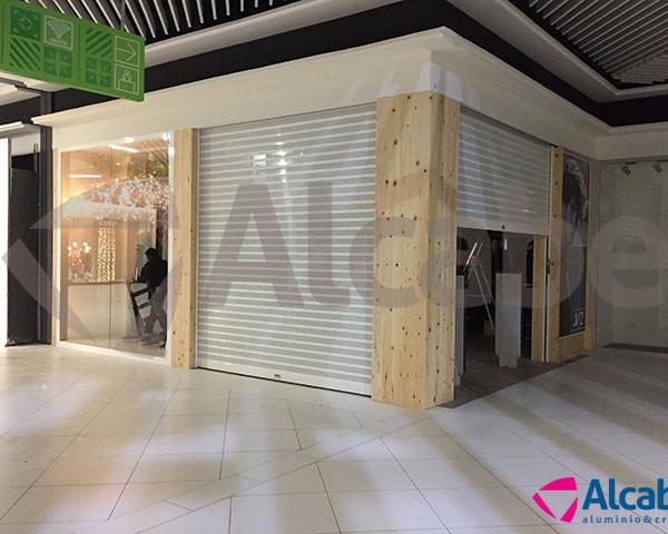Instalación de Persiana Enrollable Automática CC La Sierra (Córdoba)