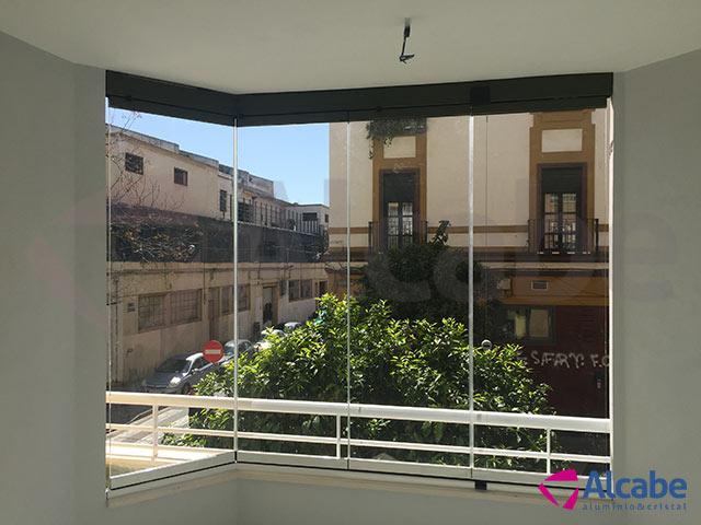 Cerramiento de Terraza en barrio Puerta de la Carne, en Sevilla