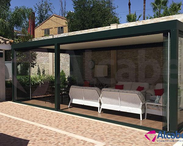Acristalamiento de patios cerramientos para techar patio for Cerramientos patios interiores