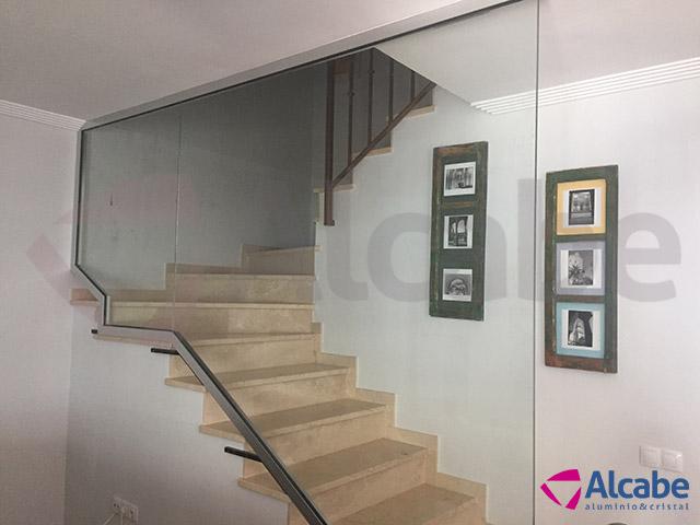 Proteccin de Cristal para Escalera Interior