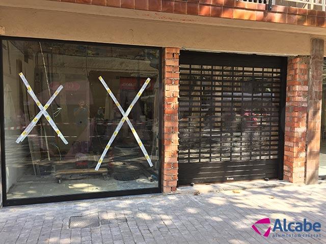 Instalación del Escaparate de la tienda AleHop de Barcelona