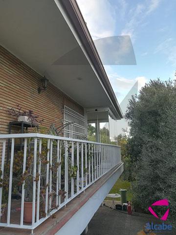 Cerramiento de Cristal de Chalet en Urb. La Motilla (Dos Hermanas, Sevilla)