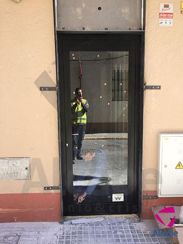 Escaparate de Cristal de Seguridad Sucursal Caixa San Fernando