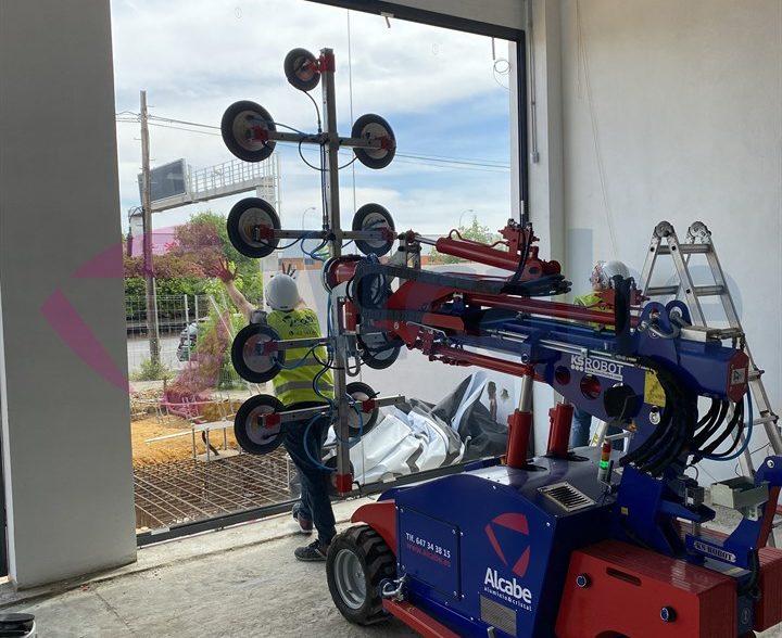 Instalación Escaparate Concesionario BMW Sevilla (P.I.C.A.)