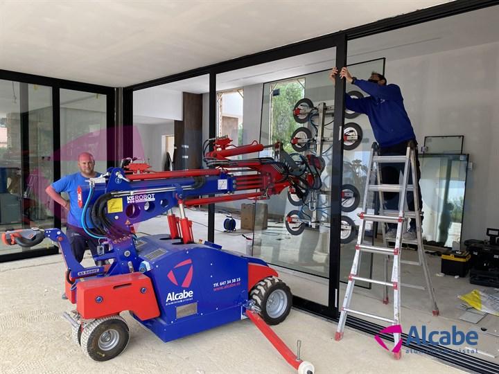 Colocación de Cortina de Cristal con Robot (Dos Hermanas, Sevilla)